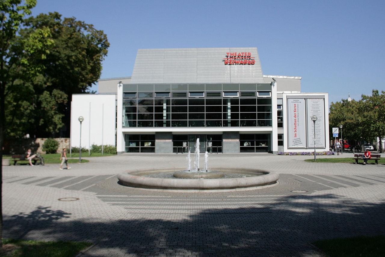 Deutsch-Sorbisches Volkstheater an den Schilleranlagen in Bautzen