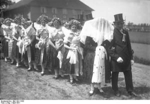 Spreewald, Wenden-Hochzeitcopy; Bundesarchiv, Bild 102-11632 / CC-BY-SA